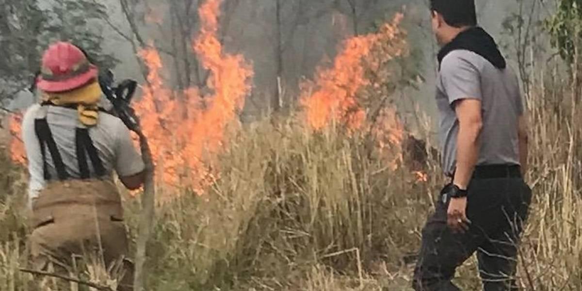 Autoridades continúan labores de extinción de incendio en Coamo