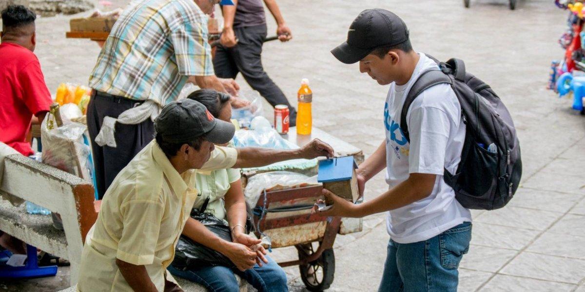 Voluntarios salen a las calles para recaudar fondos para construir 48 viviendas