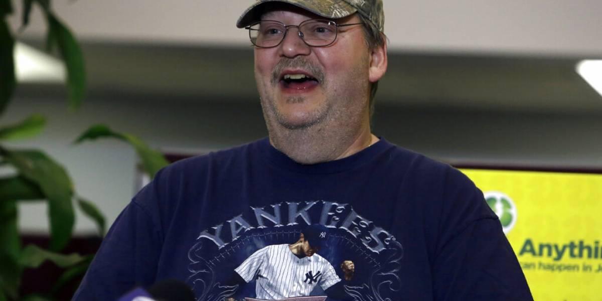 Hombre casi olvida boleto ganador de $273 millones de lotería