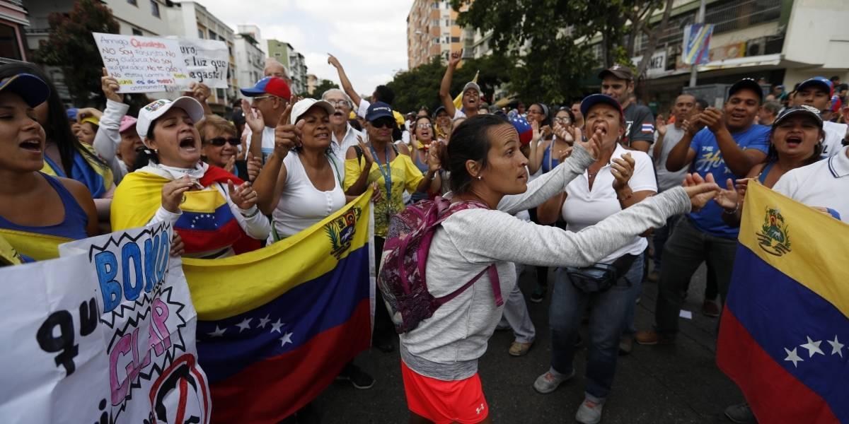Venezuela vuelve a salir a la calle: opositores y chavistas comienzan marchan tras extenso corte de luz