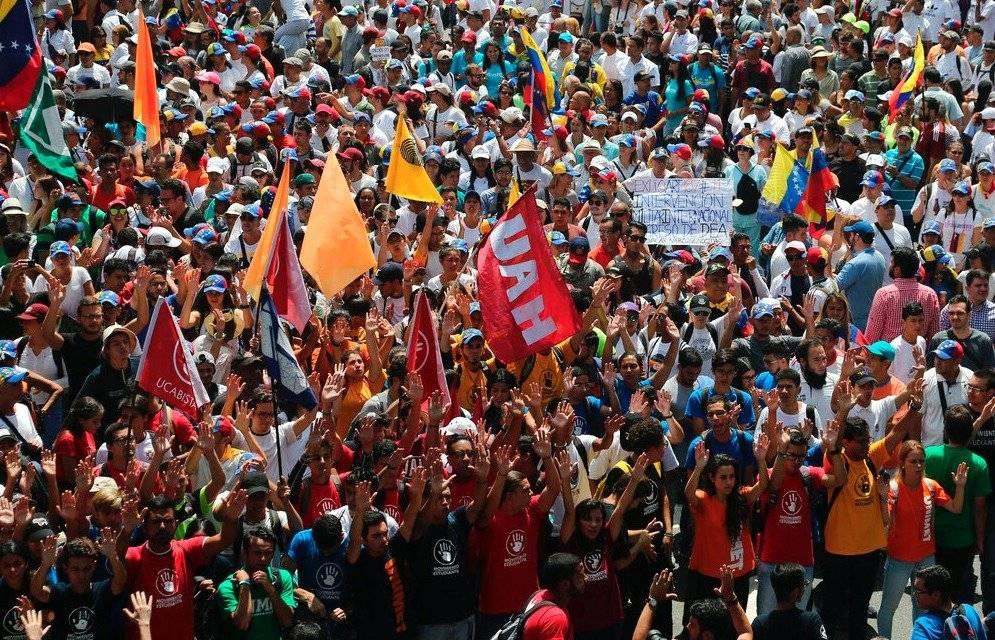 Manifestantes anti Maduro