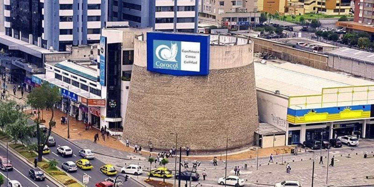 Quito: Joven se lanzó del quinto piso del C.C Caracol