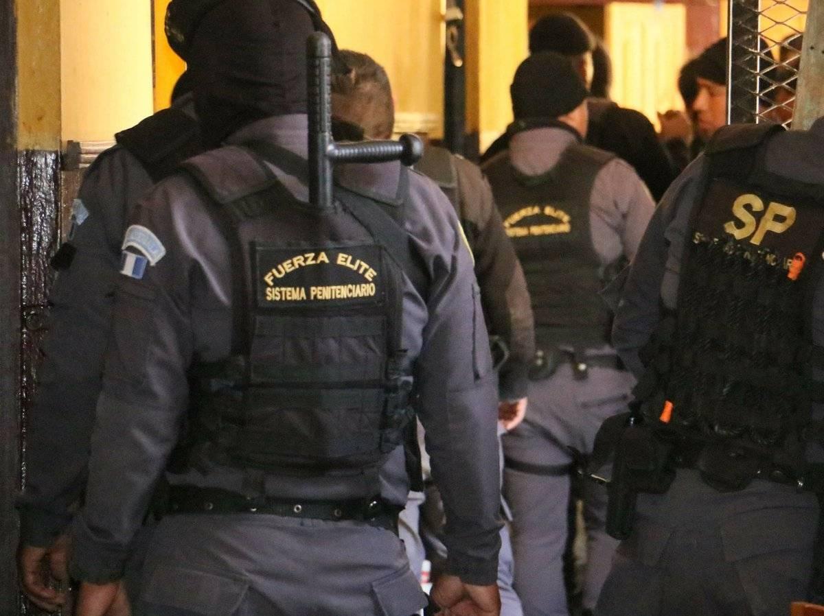 Elementos de seguridad del Sistema Penitenciario. Foto: SP