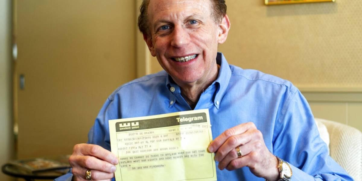 Hombre recibe telegrama 50 años después de envío
