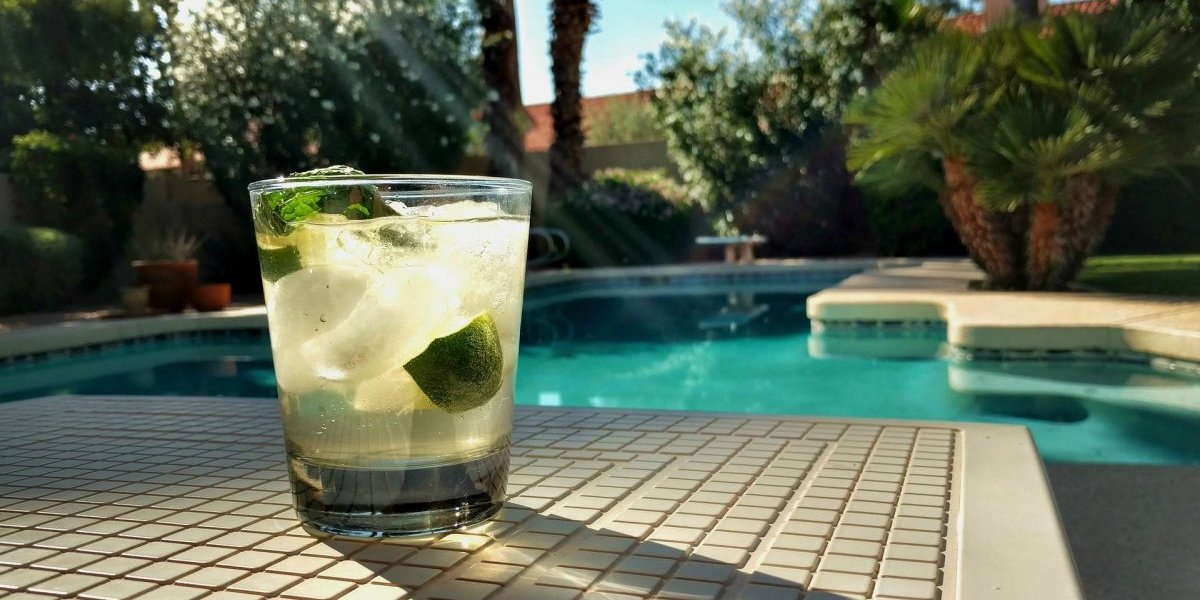 Água de coco detox com abacaxi e melancia: elimina toxinas e é ótima pós atividade física