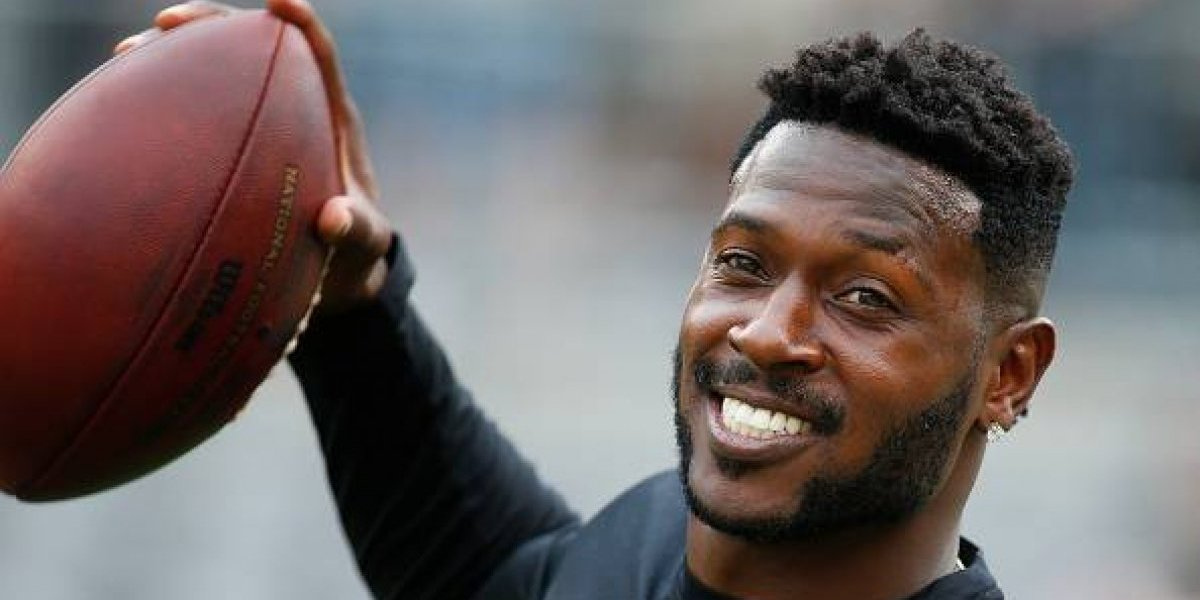 Antonio Brown firma con Raiders