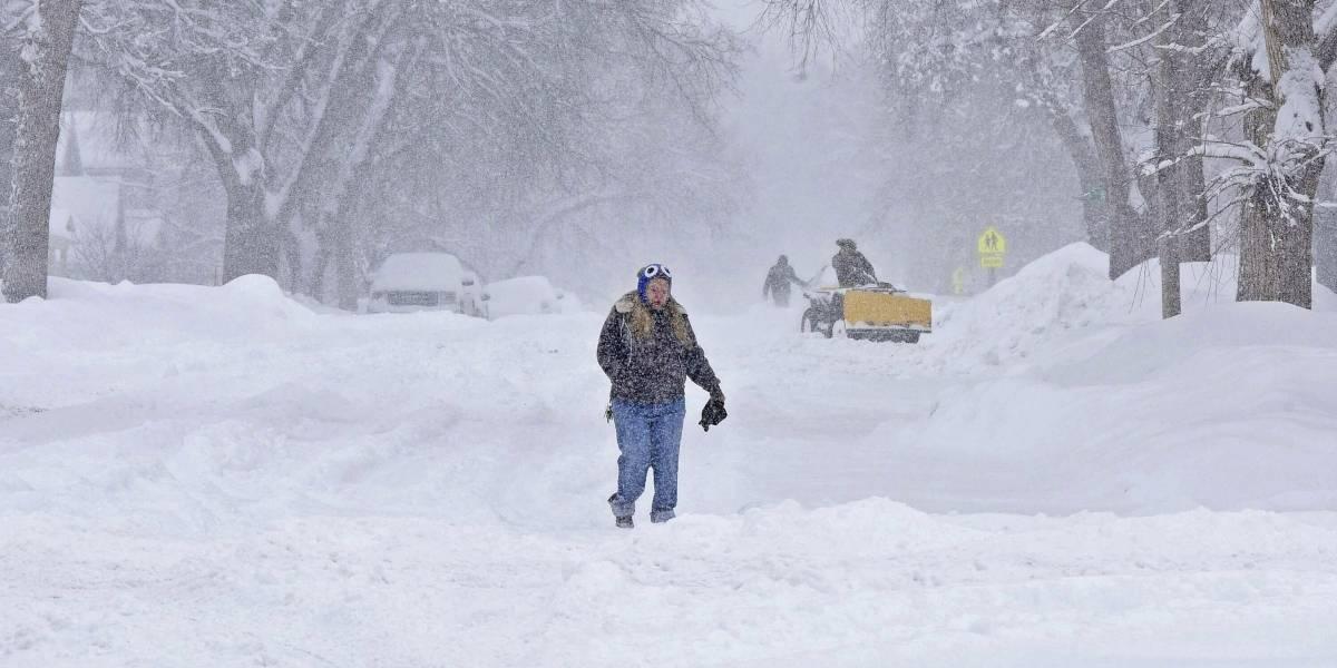 Tormenta invernal agobia a centro de Estados Unidos