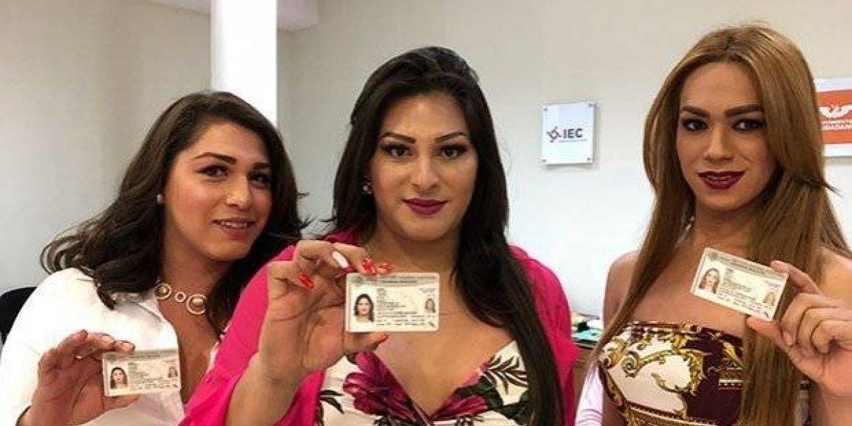 Entregan credencial para votar a personas trans en Coahuila