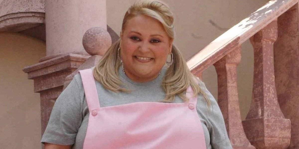 Sheyla calla las críticas por su pérdida de peso con transparente y ajustado vestido