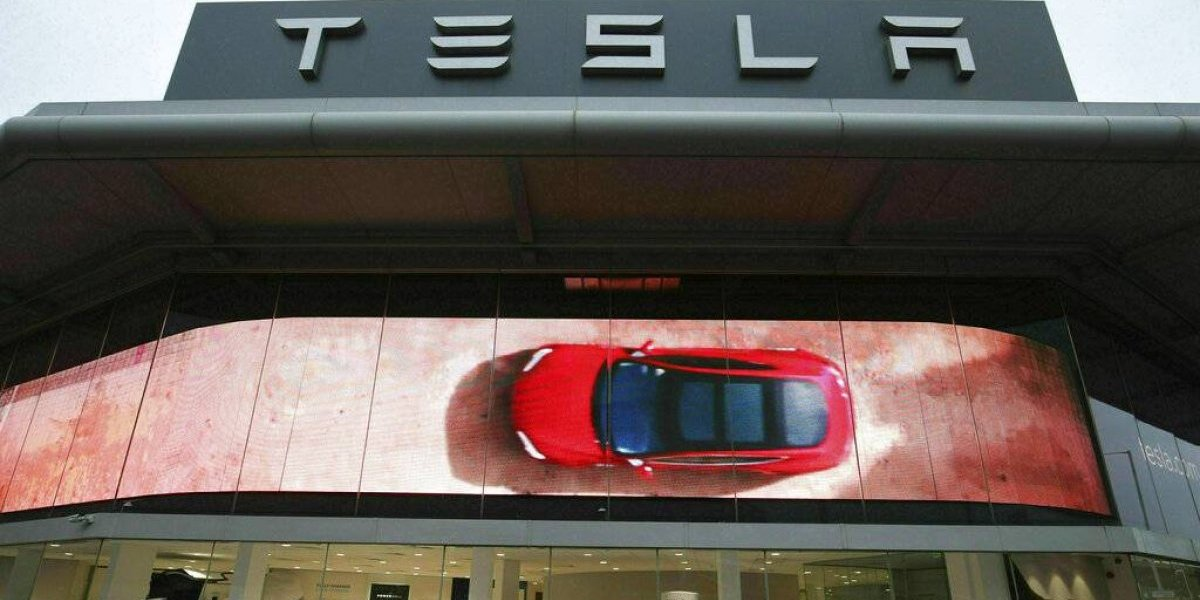 Tesla revoca plan de cerrar tiendas