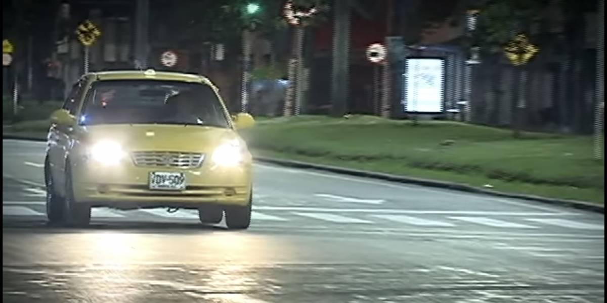 Taxista arrolló a dos menores que lo han tenido robado, en Medellín