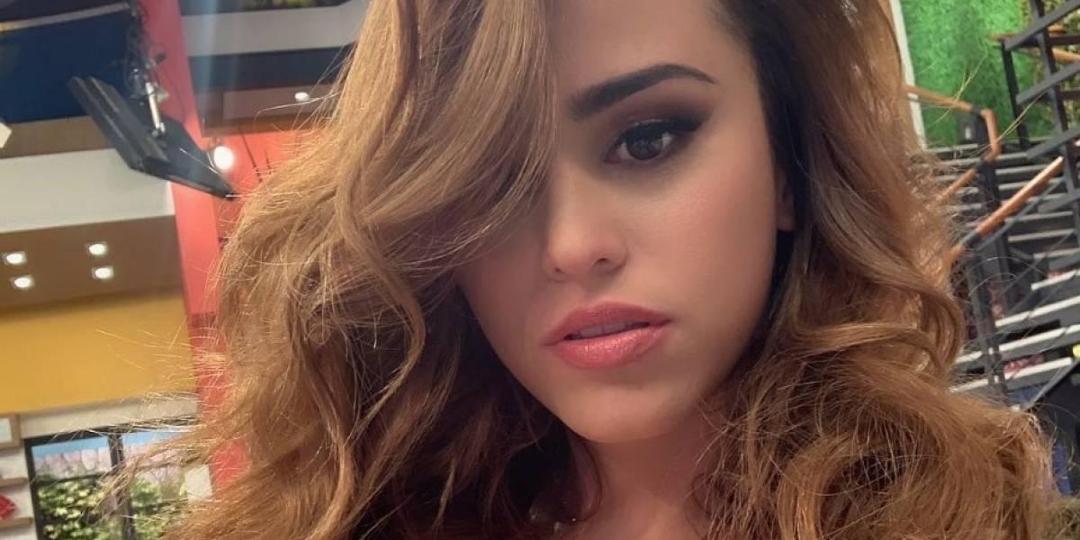'La chica más linda del clima': Yanet García dejó sin aliento a más de uno con disfraz de colegiala