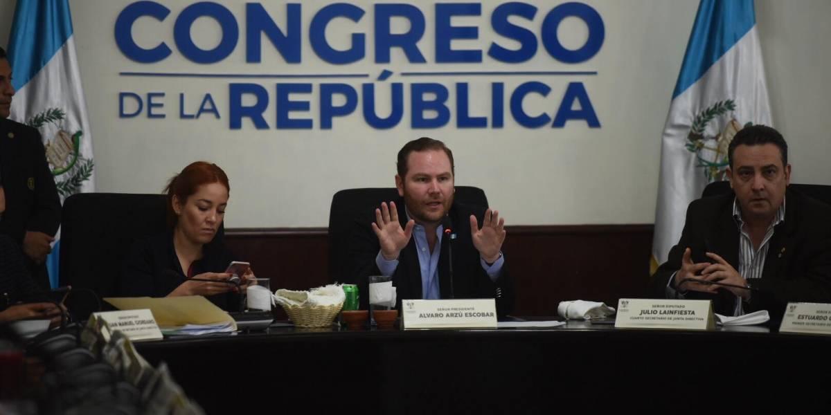 Jefes de bloque insisten en agendar reformas a la ley de reconciliación nacional