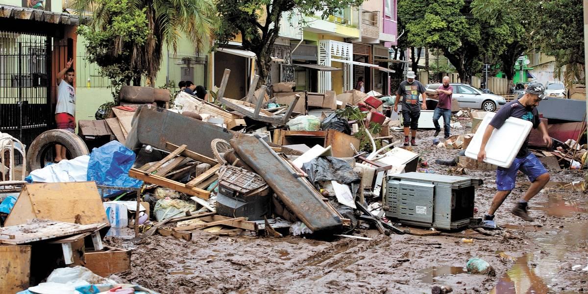 Chuva traz à tona a solidariedade da população em meio ao caos