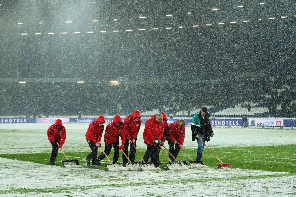 VIDEO: Nieve 'roba' gol a delantero del Hannover