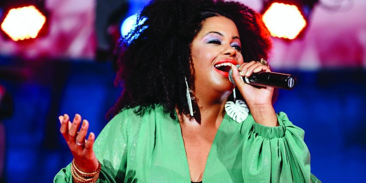 Janine Mathias faz sua estreia solo com 'Dendê', cheio de parcerias e regravações