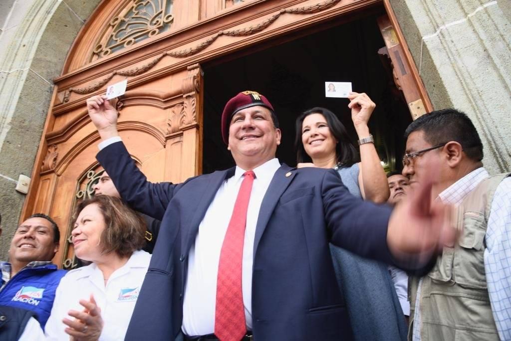 Estuardo Galdámez busca ser electo presidente del país con el partido FCN-Nación. Foto: Herlindo Zet