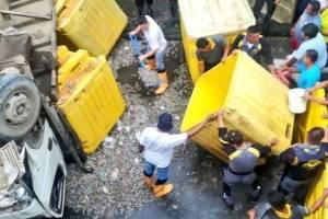 Camión con camarones se accidentó en el norte de Guayaquil