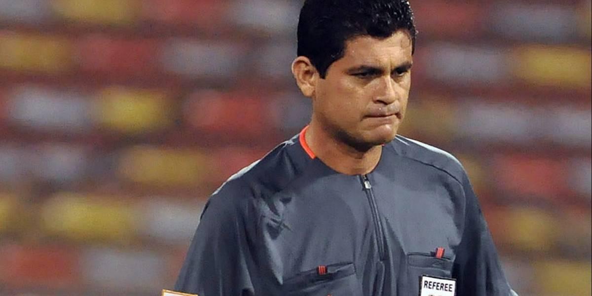 El árbitro colombiano que ganó su escarapela Fifa por acceder a favores sexuales