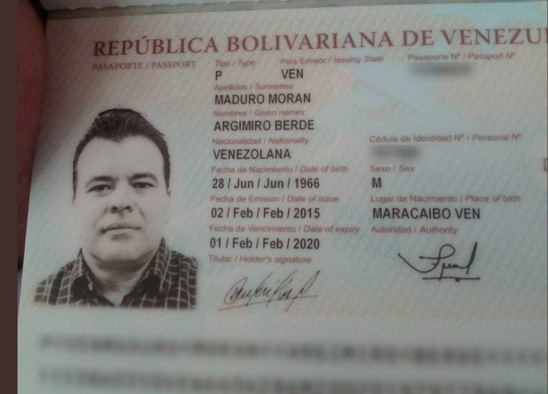 Pasaporte de primo de Nicolás Maduro