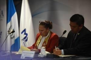 Firma del convenio interinstitucional entre Mineduc y MP