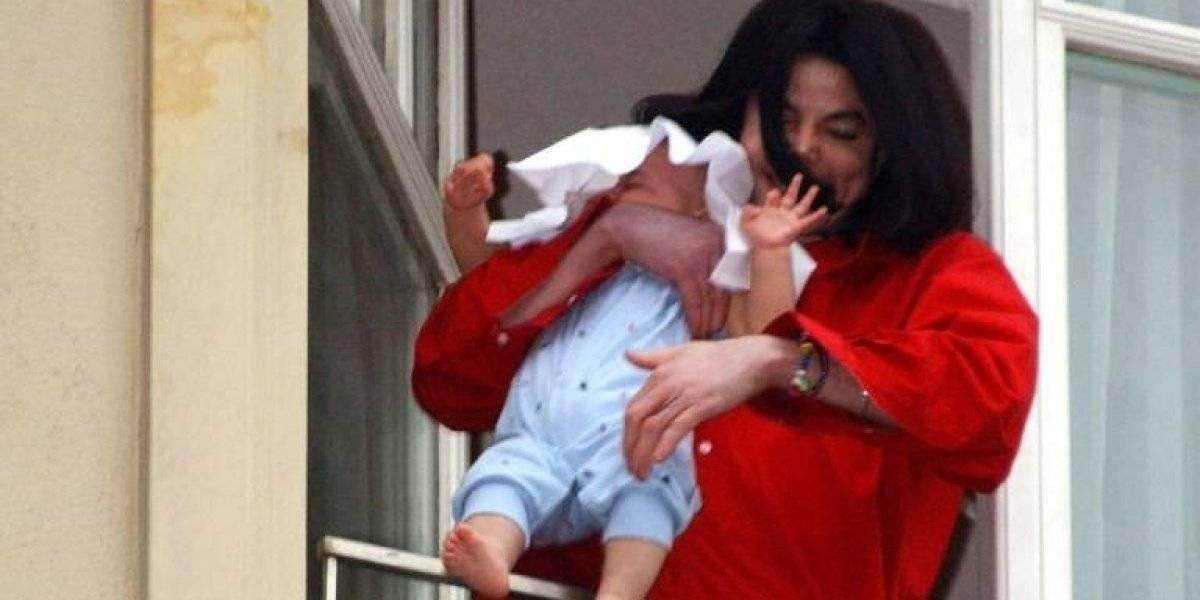 """Hijo menor de Michael Jackson """"deja de hablar"""" tras estreno de """"Leaving Neverland"""""""