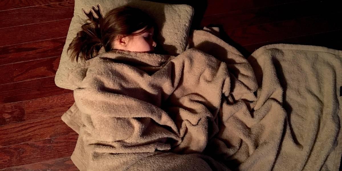 Tomar la siesta al medio día puede ser bueno para tu salud, según estudio