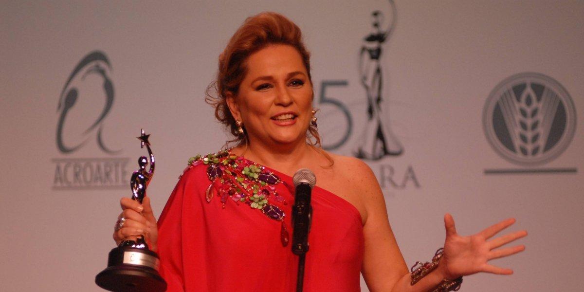 """Acroarte reconocerá a Jatnna Tavárez con """"Soberano al Mérito"""" por sus 35 años en la TV"""