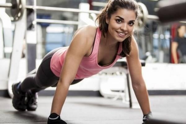 Que ejercicios hacer para adelgazar en casa