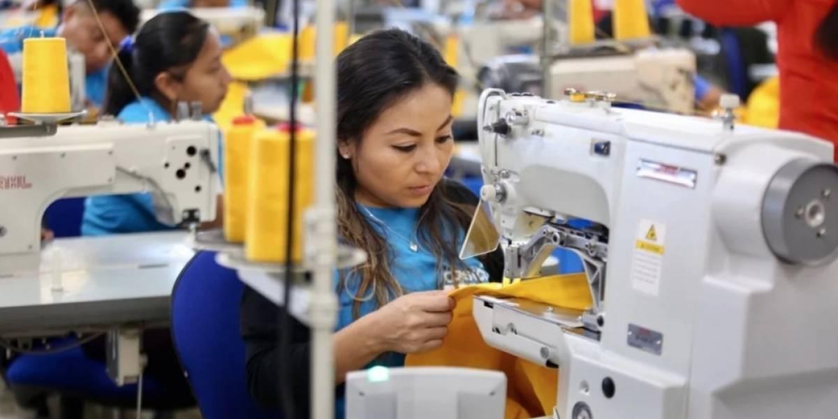 Los uniformes de la NASA son tejidos por trabajadores mayas