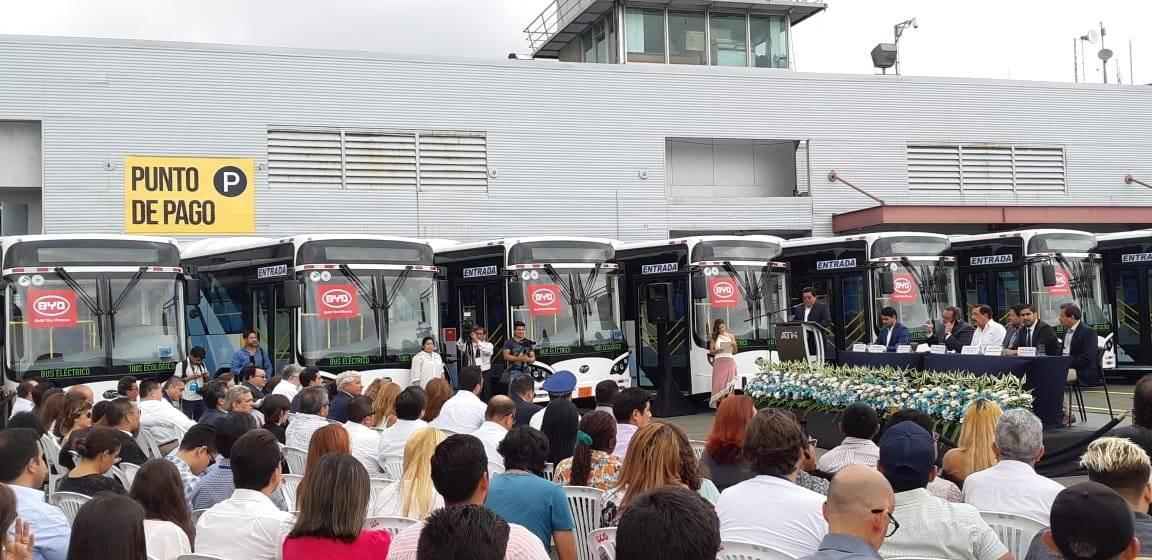Presentación de buses eléctricos en Guayaquil