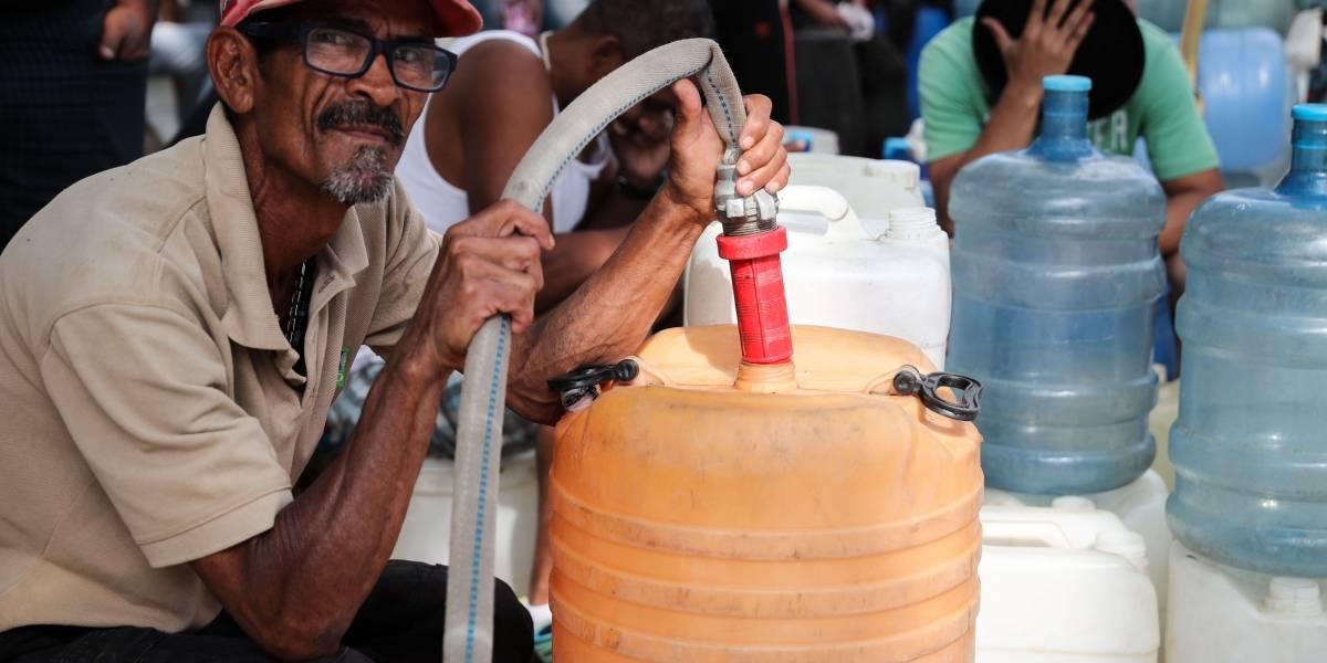 """Venezolanos reportan en redes que el agua """"llegó negra"""" tras días sin servicio"""
