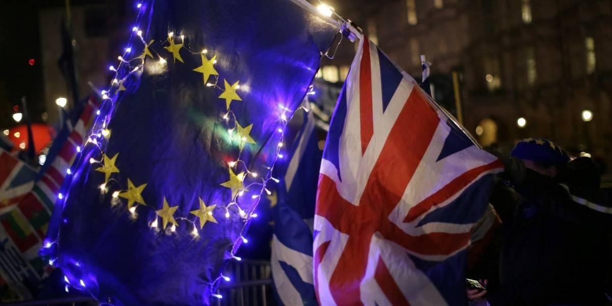 """Parlamento británico descarta un """"brexit"""" sin acuerdo con la Unión Europea"""
