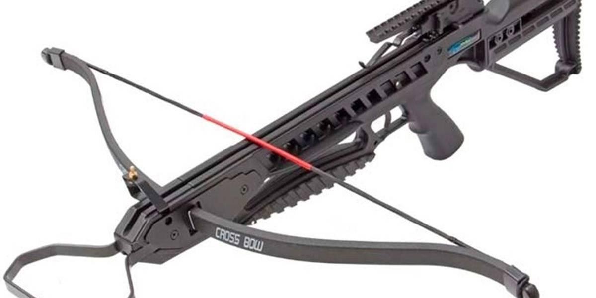 Além de revólver, atiradores de Suzano usaram arma medieval
