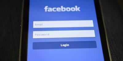 Facebook reaccionó a su caída