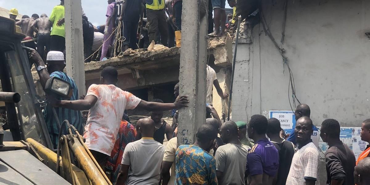 Desabamento de prédio escolar na Nigéria deixou ao menos quatro mortos; 100 crianças podem estar soterradas