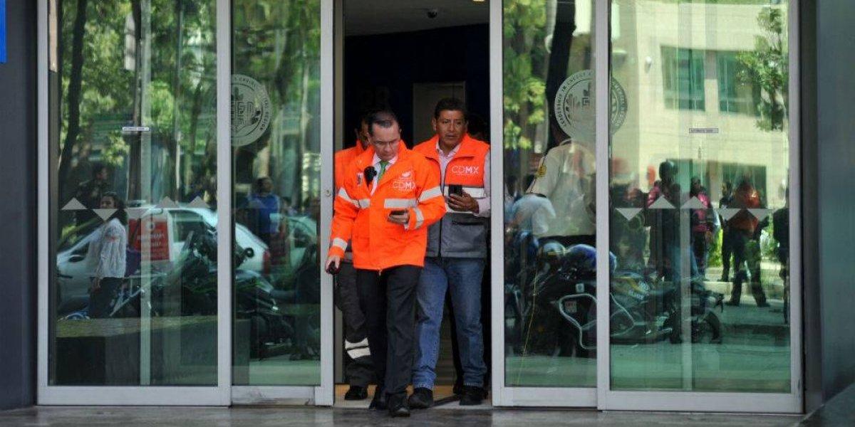 Evacúan la Torre Bancomer por amenaza de bomba