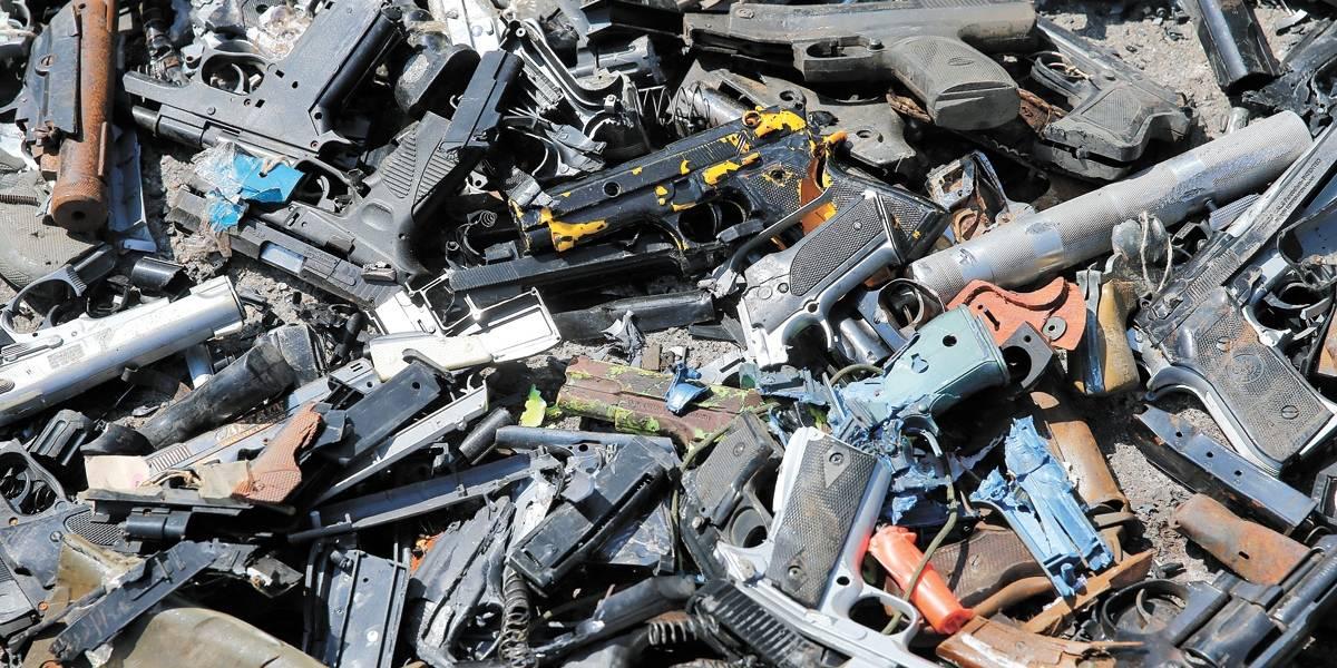 Tragédia em Suzano põe porte de arma em debate