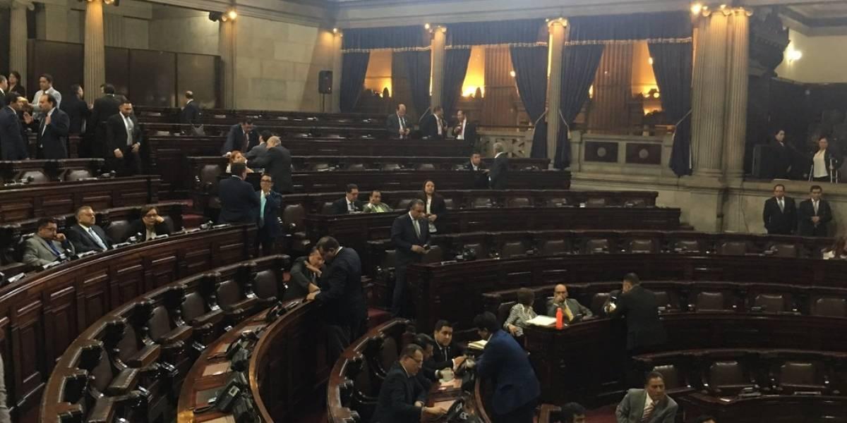 Diputados rompen filas y aplazan avalar amnistía en Guatemala