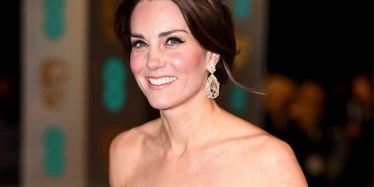 Kate Middleton repete vestido, mas prova que um pequeno detalhe pode fazer toda a diferença