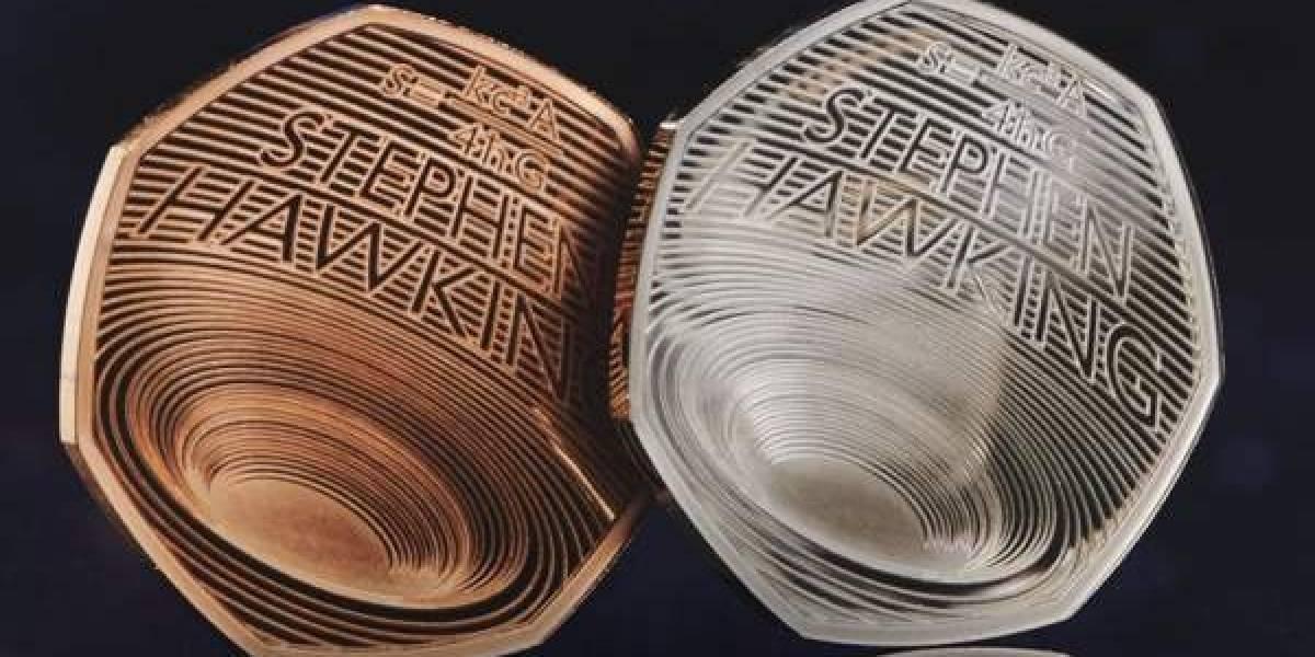"""Moneda en honor a Stephen Hawking en el Reino Unido fue víctima de una """"broma"""""""