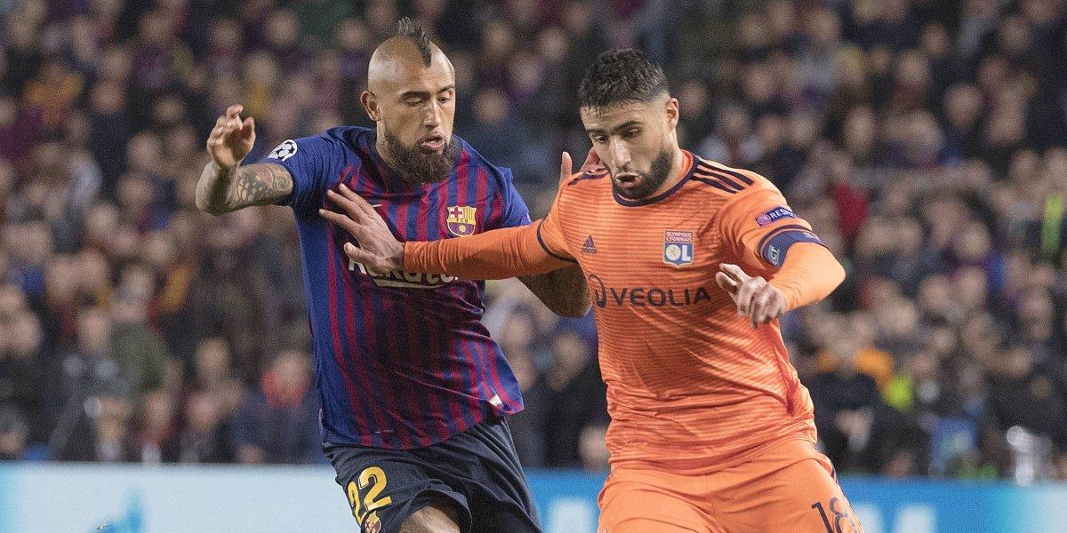 """La prensa catalana destacó a un """"trabajador"""" Vidal tras la clasificación del Barcelona en Champions"""