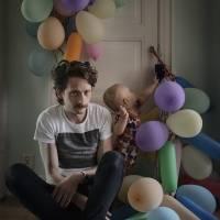 Freder Janson posa con su hijo Ossian
