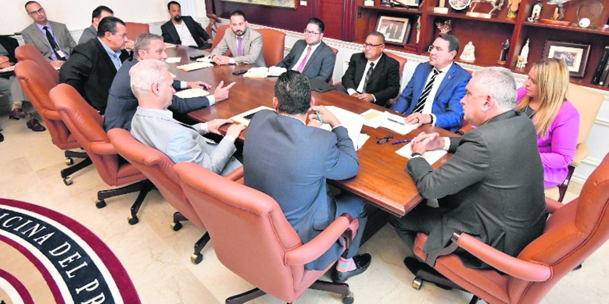 Enfrentados Senado y Fortaleza por los municipios
