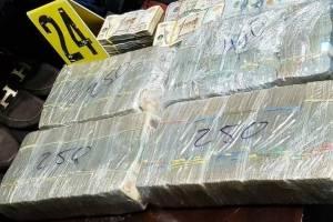 decomisan dinero en efectivo en vivienda de zona 8 de Mixco