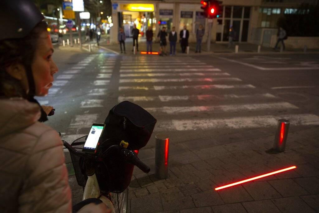 Así funcionan los semáforos instalados en Tel Aviv, Israel Foto: AP