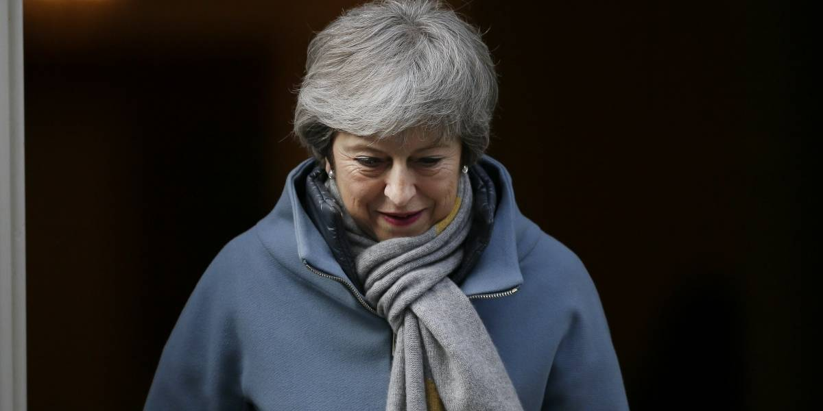 """Reino Unido pedirá a la UE retrasar el """"brexit"""" para llegar a un consenso"""