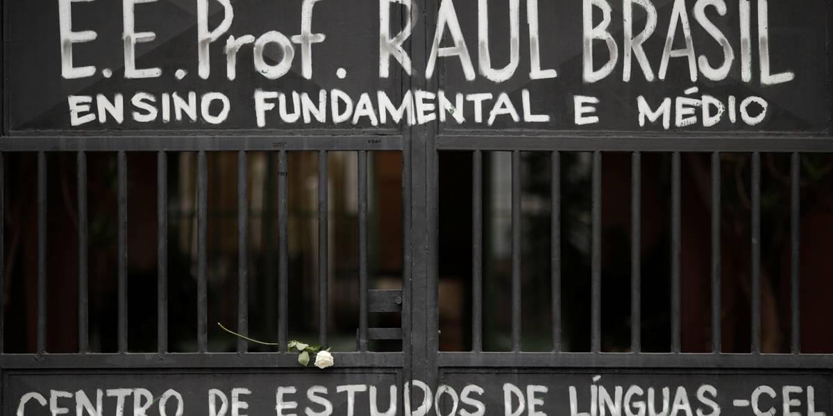 População de Suzano homenageia vítimas do massacre