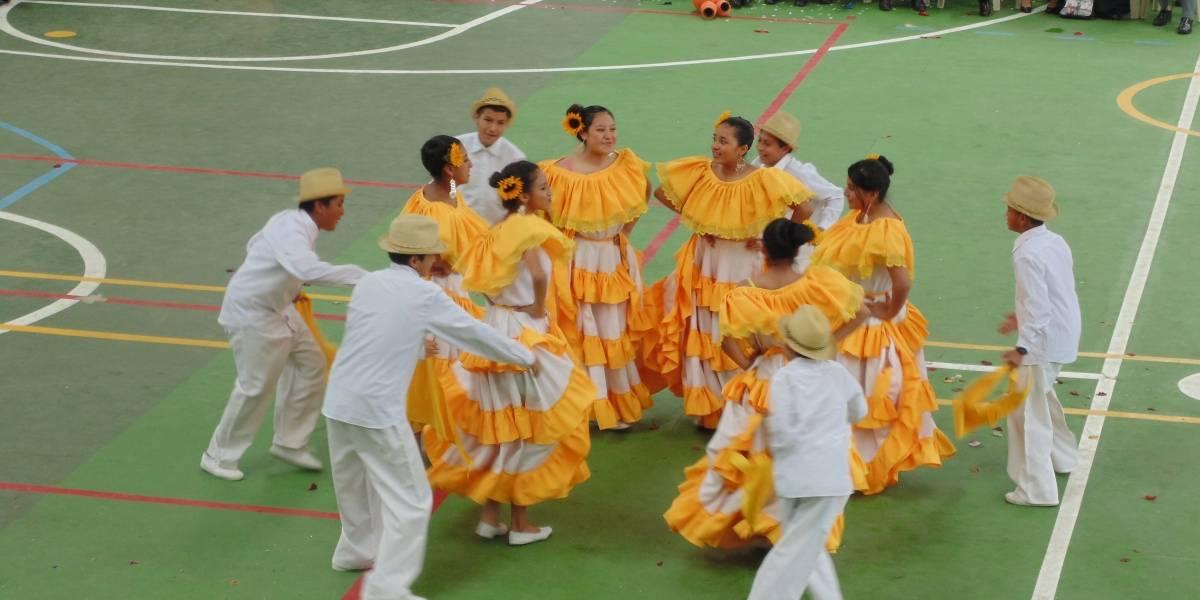 XVII Festival Intercolegial de Danza de las Nacionalidades y Pueblos del Ecuador