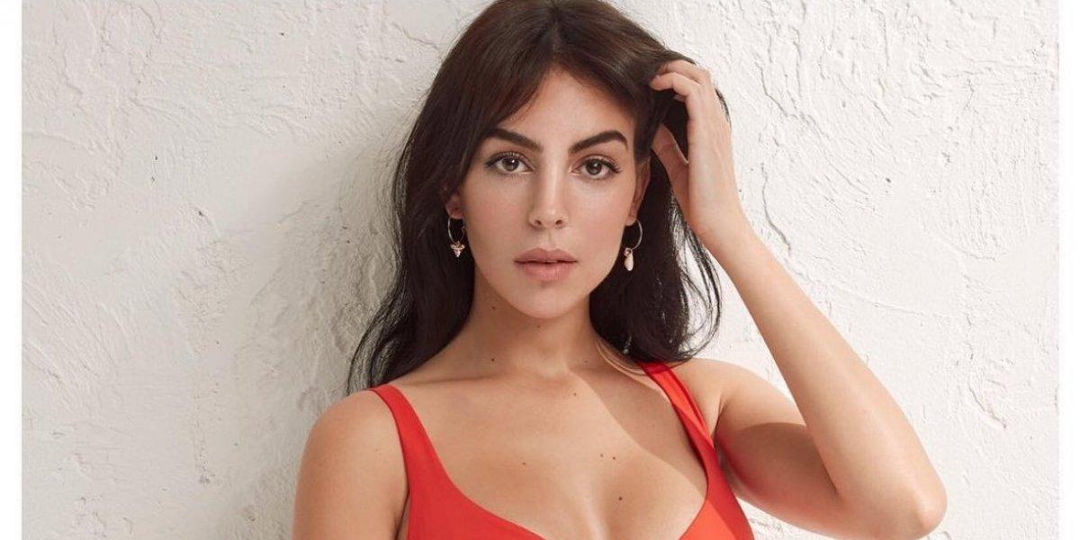 Georgina Rodríguez afianza su carrera como modelo con un posado en bikini